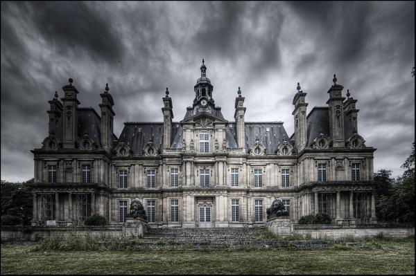 Castle Franconville Compliments of http-::www.travelvivi.com:wp-content:uploads:2009:11:Castle-Franconville