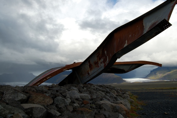 2 A jökulhaups-twisted steel bridge beam left behind on the Vatna Glacier flood plain
